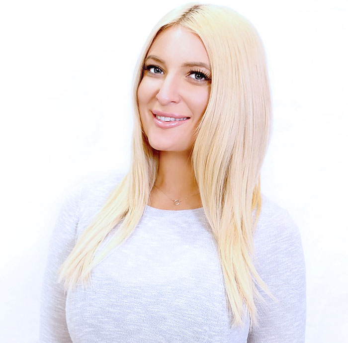 Zoe Carpenter headshot
