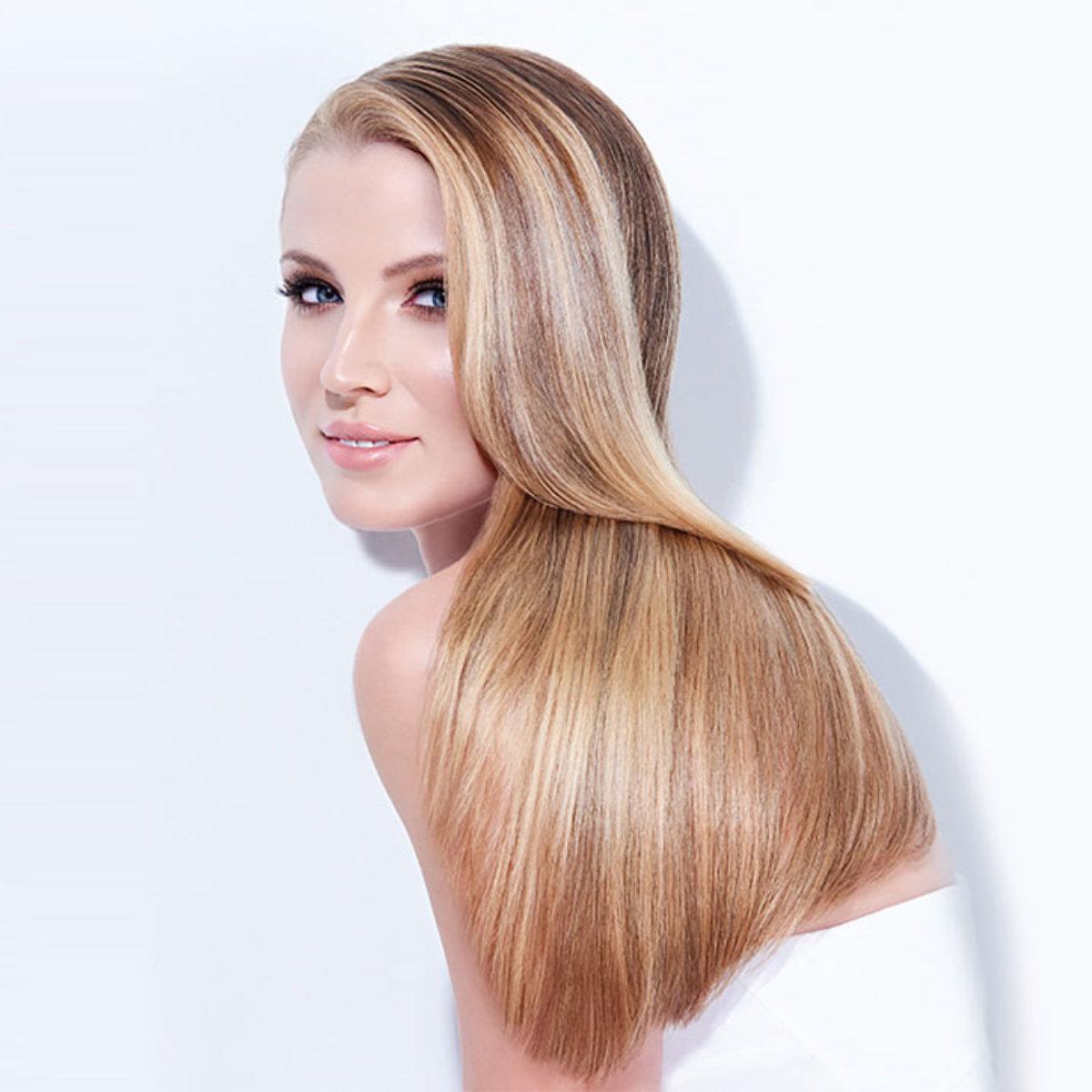 Caramel Contour hair color technique model after