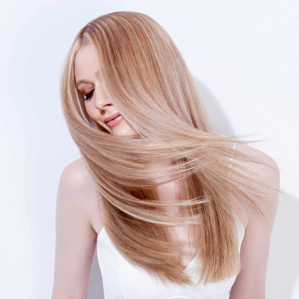 Honey Amber Lights hair color technique model after