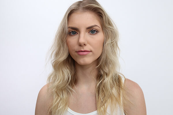 Model with blonde hair