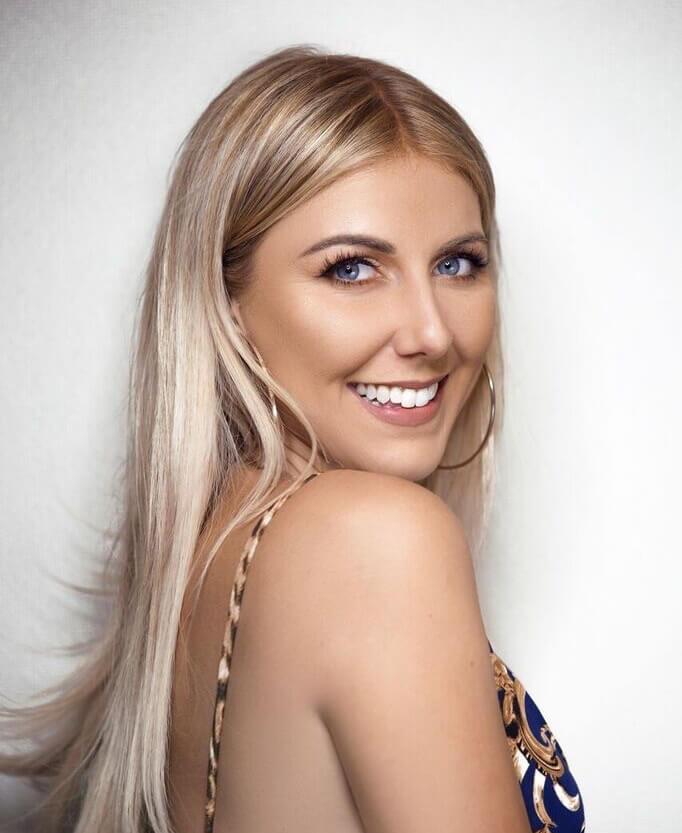 Hairstylist Olivia Smalley headshot