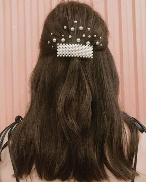 Brunette hair in clip